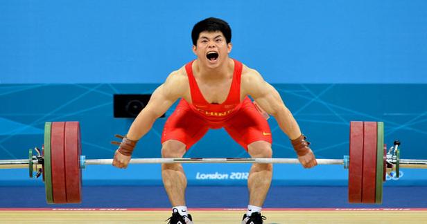 举重运动员举重时要大吼一声?热气球简写话图片